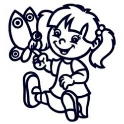 Samolepka na auto se jménem dítěte- holka s motýlem