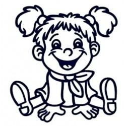 Samolepka na auto se jménem dítěte- sedící holka s šátkem