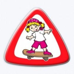 3D samolepka na auto-Dítě v autě- holka na skateboardu